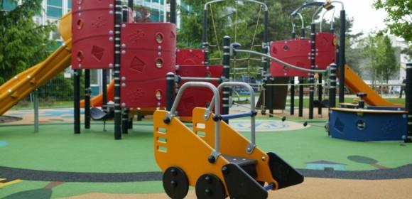 Plac zabaw dla Centrum Zdrowia Dziecka